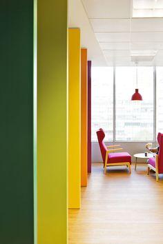 Nuevas oficinas de Sony Music - Un espacio de trabajo dinámico y contemporáneo