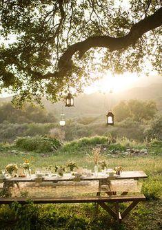 66 ideas for backyard entertaining area picnic tables Outdoor Dining, Outdoor Spaces, Outdoor Tables, Vida Natural, Magic Treehouse, Picnic Area, Picnic Tables, Beach Picnic, Summer Picnic