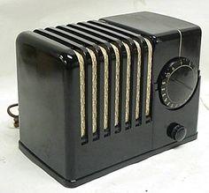 Silvertone Art Deco Bakelite Radio
