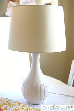 DIY: upcycle an old lampshade Lamp Makeover ItsOverflowing Lampshade Redo, Lampshades, Lamp Makeover, Contemporary Floor Lamps, Bedroom Night Stands, Diy Projects To Try, Craft Projects, Table Lamp, Diy Ideas
