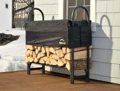 You need a indoor firewood storage? Here is a some creative firewood storage ideas for indoors. Lots of great building tutorials and DIY-friendly inspirations! Firewood Rack Plans, Indoor Firewood Rack, Firewood Holder, Firewood Storage, Shed Storage, Storage Ideas, Wooden Sheds, Wooden Crates, Recycled Trampoline