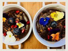 Mousse de ciocolata cu chilli Mousse, Spice Things Up, Acai Bowl, Valentines Day, Deserts, Spices, Breakfast, Food, Acai Berry Bowl