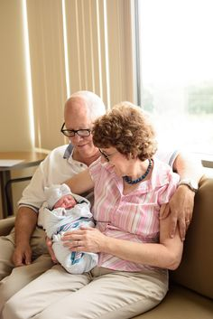 Marjorie Jones Photography   10 Photos to Take on Baby's First Day