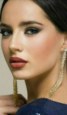 Foto Most Beautiful Faces, Beautiful Eyes, Gorgeous Women, Pure Beauty, Beauty Women, Interesting Faces, Cute Faces, Woman Face, Green Eyes