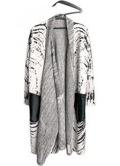 Orbit Overcoat . Carla Pontes . fashion design . scar-id.com