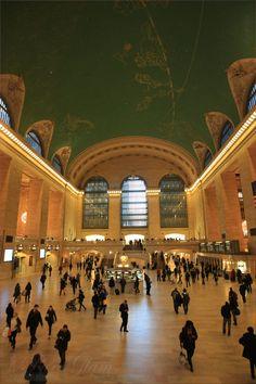 New York City – inside beautiful Grand Central Station, NYC, Manhattan - hall