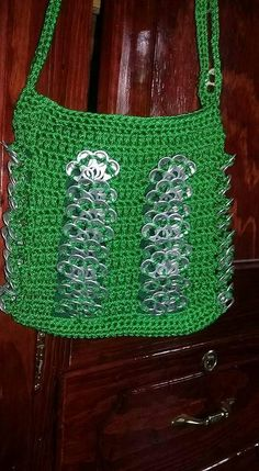 Image gallery – Page 350084571030313605 – Artofit Can Tab Crafts, Diy And Crafts, Pop Can Tabs, Stitch Patterns, Crochet Patterns, Soda Tabs, Crochet Market Bag, Pop Cans, Easy Stitch
