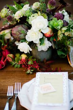Farm to Table Inspired Shoot, flowers by Loop www.loopflowers.com, photo by Claire Dobson, styling by A Savvy Event