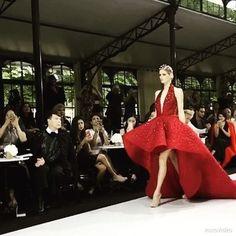 IMPALPABLE COUTURE MOMENT...at Paris Haute Couture Fashion Week Autumn-Winter 2016... @sayed5inco @couturissimo @asiancouturefederation @frankcintamani @emilyhwangofficial #couture #waves #Paris #ImpalpableDream #Dubai #MyDubai #MadeinDubai #MichaelCinco