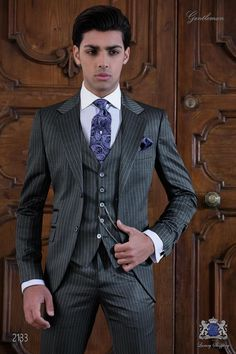14ab2ea9556b Italian bespoke grey pinstripe suit. Vestiti Di Vestito ...