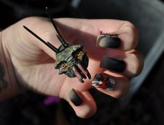District 9 Nail Art - Prawn