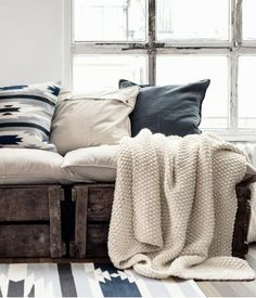 Vintage/industrial style. HOME-TROTTER