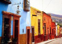 El color de las construcciones en #Juarez, una de las ciudades que limitan con #EEUU, en #Mexico.