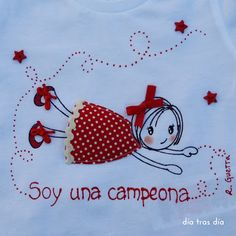 DÍA TRAS DÍA: CUMPLEAÑOS DE UNA CAMPEONA Embroidery Fashion, Embroidery Applique, Cross Stitch Embroidery, Embroidery Patterns, Dish Towel Crafts, Crochet Leaves, Fabric Pictures, Sewing Appliques, Free Machine Embroidery Designs