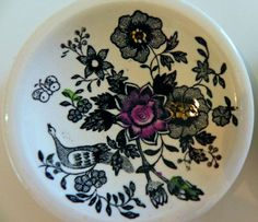 Some of the China made at the now closed plant in Egersund Norway. Norway Culture, Norway Food, Cute Butterfly, Pheasant, Diy Projects To Try, Accent Colors, Scandinavian Design, Floral Prints, Pottery