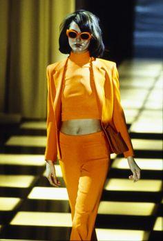 Shalom Harlow, Kirsty Hume, Naomi Campbell and Kate Moss at Versace S/S 1996 90s Fashion, Retro Fashion, Runway Fashion, Love Fashion, Spring Fashion, High Fashion, Fashion Show, Vintage Fashion, Fashion Outfits