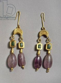 Pendant earrings, Roman, c.1st century AD. Gold, emerald, and amethyst.