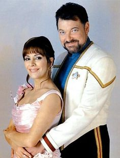 Star Trek Enterprise, Star Trek Starships, Star Trek Voyager, Star Trek Characters, Star Trek Movies, Star Trek Gifts, Jonathan Frakes, Marina Sirtis, Michael Chabon