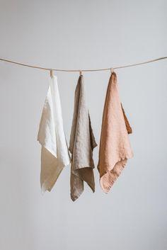 Set of 3 linen towelsKitchen towel setNatural towel setTea White Tea Towels, Linen Towels, Hand Towel Sets, Hand Towels, Casa Magnolia, Linen Baskets, Fabric Photography, Bunt, Instagram