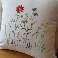 crewel embroidery free patterns #Crewelembroidery Cushion Embroidery, Crewel Embroidery Kits, Embroidery Flowers Pattern, Japanese Embroidery, Silk Ribbon Embroidery, Hand Embroidery Designs, Cross Stitch Embroidery, Embroidery Needles, Embroidery Ideas