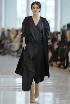 Christophe Lemaire RTW Fall 2014 - Slideshow - Runway, Fashion Week, Fashion Shows, Reviews and Fashion Images - WWD.com