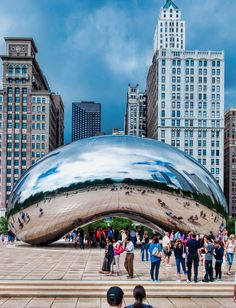 Cloud Gate. Chicago, Illinois. USA. Photo by Andy New.