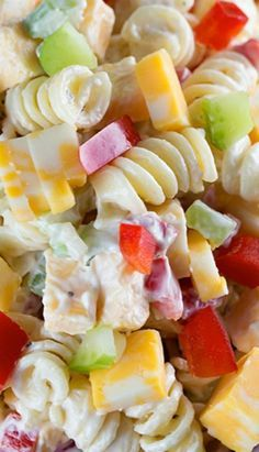 This would be easy to do with GF pasta. Sounds yummy and summery! Creamy Cheddar Pasta Salad with a simple dressing ~ is a fantastic side dish for a summer BBQ! It's versatile too – add in broccoli or any other veggies that you'd like! Pasta Dishes, Food Dishes, Side Dishes, Summer Salads, Summer Bbq, Summer Dishes, Cold Pasta, Think Food, Cooking Recipes