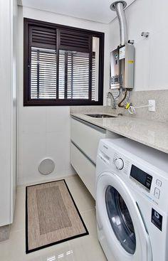 Apto Estreito F.W.P.: Banheiros modernos por Kris Bristot Arquitetura