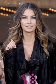 Hair Highlights For Brunettes Ombre Lily Aldridge Ideas – Balayage Hair Brown Ombre Hair, Ombre Hair Color, Hair Color Balayage, Hair Highlights, Californian Hair, Balliage Hair, Braut Make-up, Hair Color And Cut, Tips Belleza