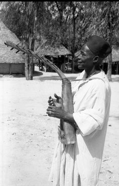 Photographer: Hamo Sassoon Date of Photo: 1930s - 1970s Continent: Africa Geographical Area: West Africa Country: Nigeria | Peru Format: Film Negative 35 mm Size: 35 mm Acquisition: Meredith Sassoon - Donated 14 October 2005 Description Archaeological and ethnographic photographs, mainly relating to iron-working in Nigeria.