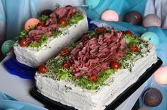 """""""#voileipäkakku#juhlapöydänkruunu#kakkukunkku#ärsyttäväänpikkunälkään#maistuuaina#kylmäsavuporo#kakku#porokakku#suolastahyvää#sandwichcake#smörgåstårta#yam#nam"""""""