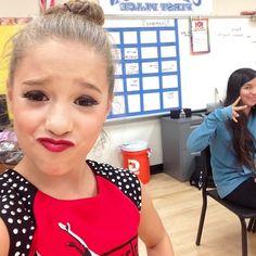 Maddie And Mackenzie, Mackenzie Ziegler, Maddie Ziegler, Dance Moms Facts, Dance Moms Girls, Mom Selfies, Nicky Ricky, Mack Z