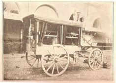 Antofagasta . Ambulancia que sirvió en la Guerra del Pacifico del año 1879, poseía el signo de la Cruz Roja Internacional, ya que Chile mucho antes de la GdP, había suscrito el Convenio.