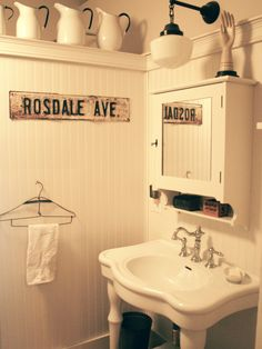 Traditional Bathroom Beadboard Design, Pictures, Remodel, Decor and Ideas - page 6