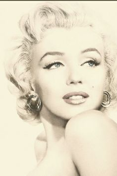 marilyn monroe , art on imgfave Marilyn Monroe Kunst, Marilyn Monroe Artwork, Marilyn Monroe Quotes, Hollywood Glamour, Old Hollywood, Cabelo Pin Up, Tattoo Gesicht, Marlene Dietrich, Norma Jeane