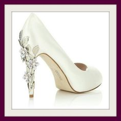 Bridal accesories shoes