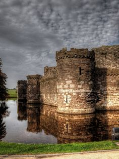 Beaumaris Castle Anglesey,Wales UK by PhilnCaz Chateau Medieval, Medieval Castle, Beautiful Castles, Beautiful Places, Places To Travel, Places To See, Wales Uk, North Wales, Anglesey Wales