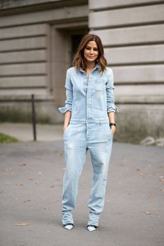 Cest Chic: Street Style from Paris 2019 Paris Street Style Spring 2015 Best Street Style Paris Fashion Week Harper's BAZAAR The post Cest Chic: Street Style from Paris 2019 appeared first on Denim Diy. Fashion Week Paris, Paris Street Fashion, Fashion Spring, Best Street Style, Spring Street Style, Combi Jean, Denim Fashion, Look Fashion, Jean Moda