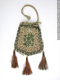 Bag, reticule  1800-1825, 19th century  14.5 x 12.8 cm  Gift of Mrs. Lois S. Winslow-Spragge  M971.56.5  © McCord Museum