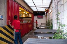BURGER TOWN 02. Bogotá, Colombia, 2012   FEEDBACK STUDIO ARQUITECTOS. XVI Premio Lápiz de Acero 2013