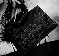 A Classic Bag crochet pattern from Hiawatha Corde Bags, originally published by Heirloom Needlework Guild, Book No. 11 in 1945.