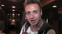 The rock band, Papa Roach, shows off their tour bus while on this summer's Carnival of Madness. Information about the video: Band - Papa Roach Film Date - Au. Jacoby Shaddix, Papa Roach, Reading Challenge, Hard Rock, Rock Bands, Tours, Madness, Singers, Carnival
