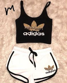 20 very cute costumes Bilder Land Adidas Outfit Bilder Costumes Cute land Cute Lazy Outfits, Teenage Outfits, Teen Fashion Outfits, Cute Casual Outfits, Sporty Outfits, Summer Outfits Women, Outfits For Teens, Beach Outfits, Winter Outfits