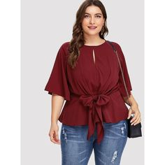 Buying plus size clothes are not easy. The biggest problem with buying clothes for women with the plus-size is either n… Looks Plus Size, Plus Size Model, Trendy Plus Size, Plus Size Tops, Plus Size Blouses, Plus Size Dresses, Plus Size Outfits, Curvy Outfits, Fashion Outfits