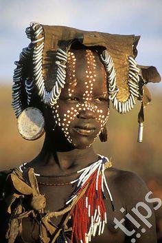 Africa | Mursi girl. Mago National Park, South Omo, Ethiopia | ©Bildagentur/Ariadne Van Zandbergen