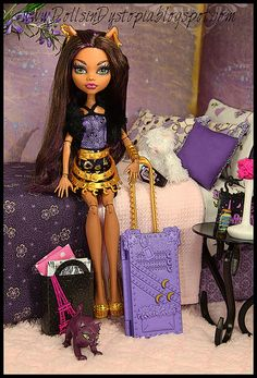 Monster High Clawdeen Wolf City of frights! only one i need!