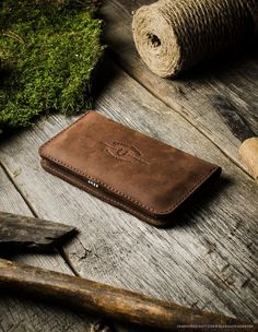 Leather iPhone Wallet / Case for two phones | Wood Brown – CrazyHorseCraft