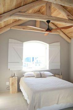 50 beautiful loft bedroom designs and ideas - Jonny haus - Schlafzimmer Attic Bedroom Designs, Attic Bedrooms, Bedroom Loft, Bedroom Styles, Home Bedroom, Master Bedroom, Bedroom Decor, Bedroom Ideas, Loft Spaces