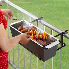 The barbecue grill on the balcony - Mini Grill Bruce and Co.