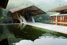 Crosswaters Ecolodge in China by Simón Vélez, architect and pioneer in the contemporary use of bamboo as an essential building component.
